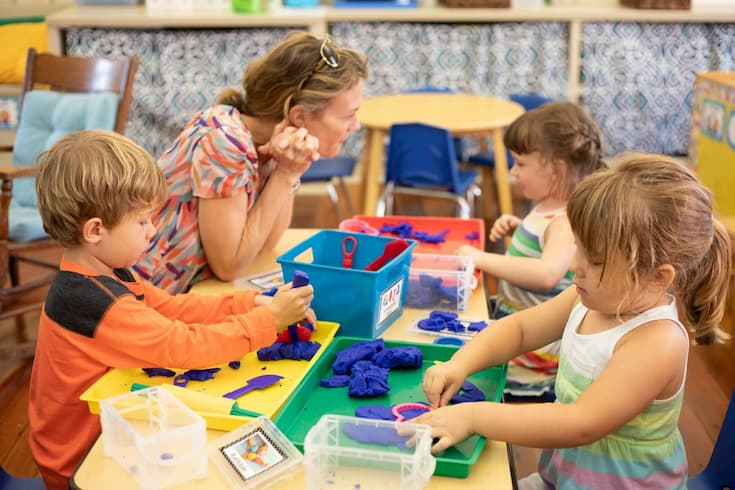 tips-choosing-a-preschool-featured